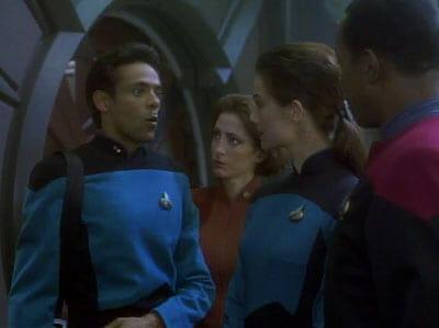 Bashir asking out Jadzia