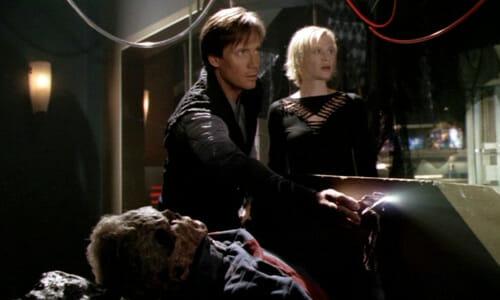 Hunt and Beka with dead Eddie