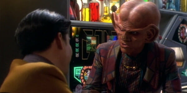 Quark tries to sell Lobi crystals to Harry