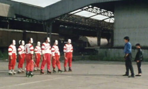 Ryusei meets with gang