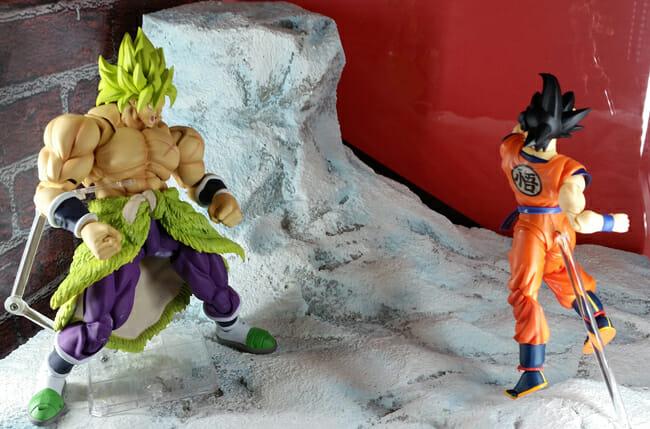 Goku vs. Broly diorama