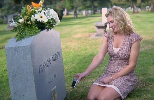 Boy's mom in cemetery