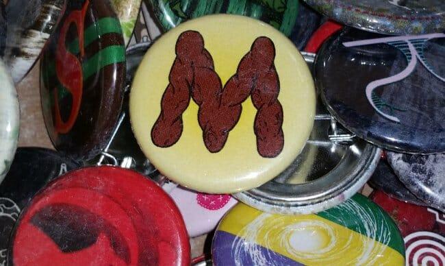 Pinback button M
